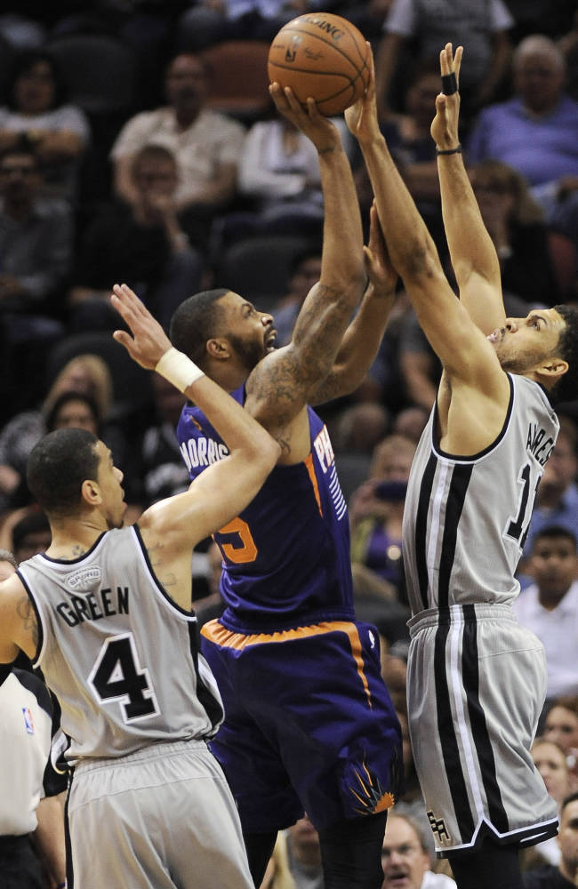 Spurs clinch league's best record with 112-104 win