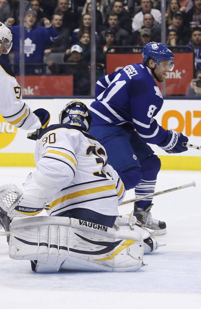 Maple Leafs edge Sabres 4-3 in shootout