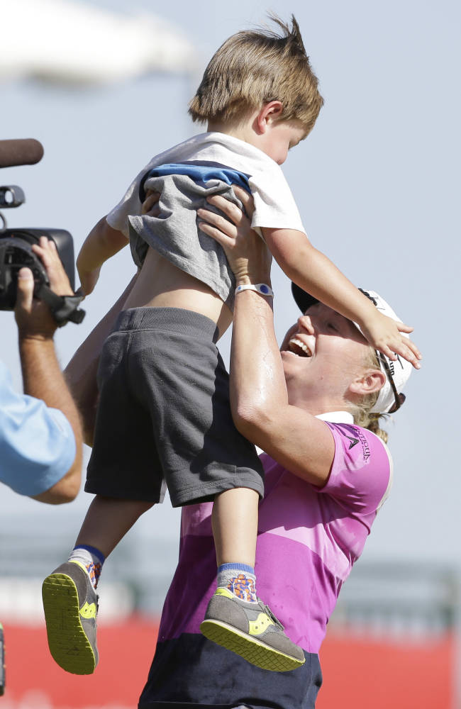 Stacy Lewis wins North Texas LPGA Shootout by 6