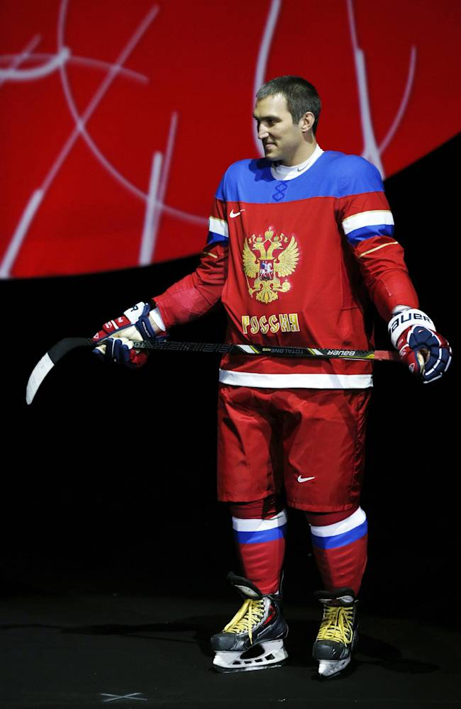 Ovechkin juggles torch duty, Capitals opener