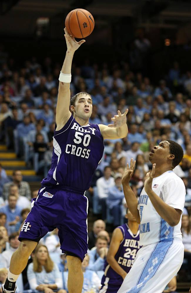 No. 12 North Carolina beats Holy Cross 62-54