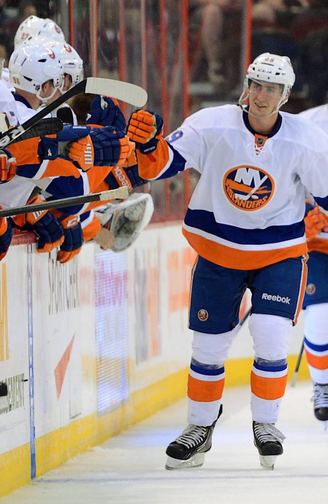 Islanders beat Senators 4-1 to sweep SS series