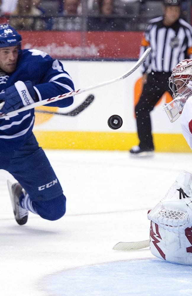 Josh Leivo scores twice to lead Maple Leafs