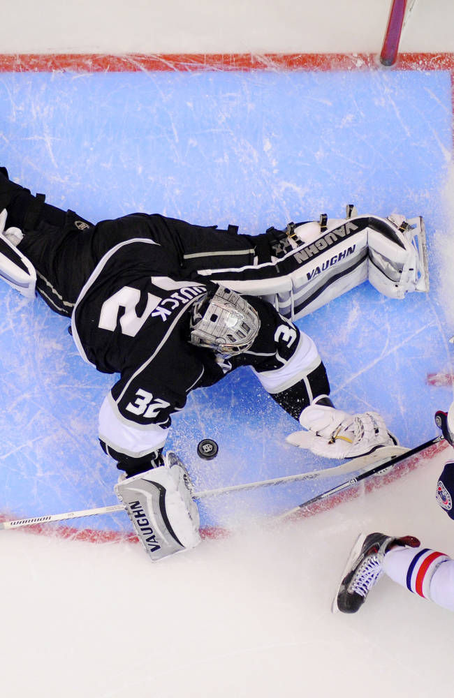 Regehr's OT goal helps Kings beat Blue Jackets 2-1