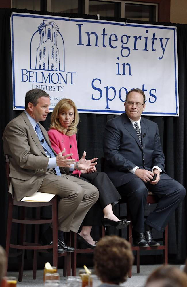 Panel of administrators: NCAA system must change