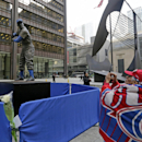 Chicago Cubs' Ernie Banks statue moved downtown for tribute The Associated Press