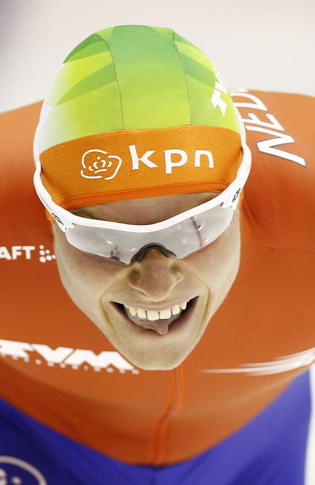 Netherlands Koen Verweij competes in the men's 1500-meter race during the World Championship allround speedskating at Thialf skating arena in Heerenveen, northern Netherlands, Sunday, March 23, 2014