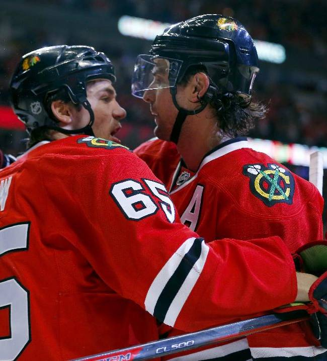 Blackhawks edge Hurricanes 3-2 without Kane