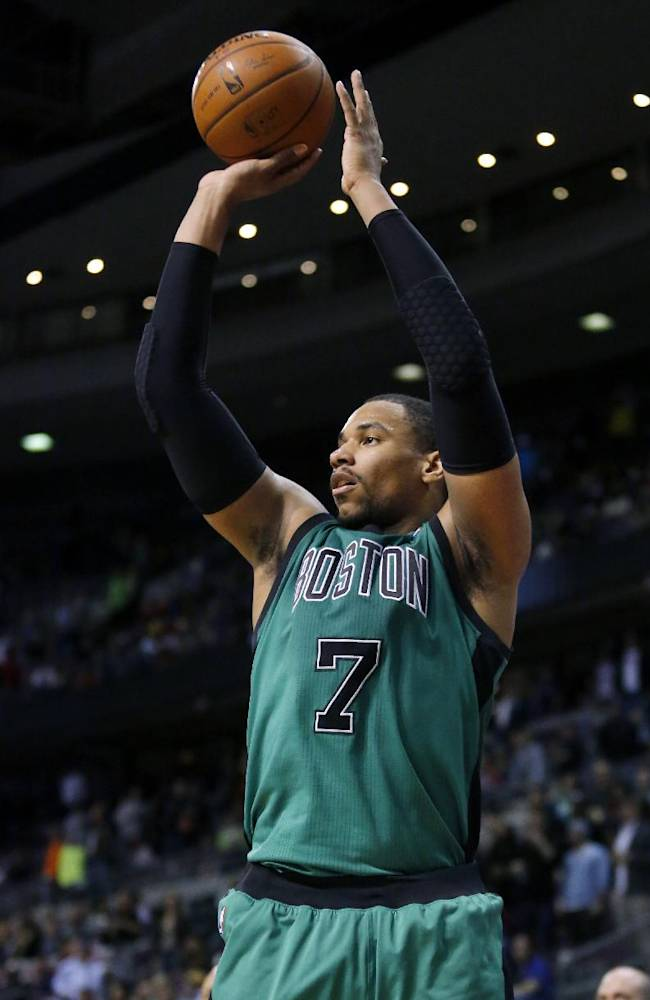 Boston Celtics forward Jared Sullinger (7) takes a3-point attempt with 1 second remaining in the Celtics' 115-111 loss to the Detroit Pistons in an NBA basketball game Saturday, April 5, 2014, in Auburn Hills, Mich