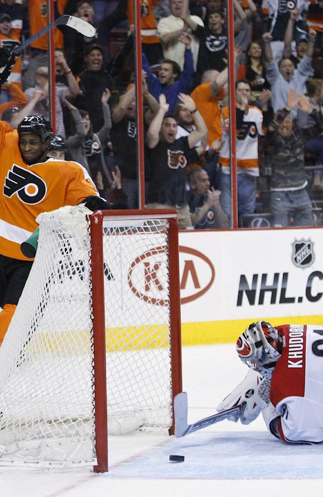 Staal scores twice as 'Canes beat Flyers 6-5 in SO