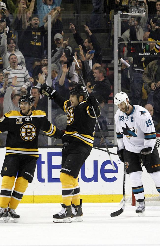 Krejci scores late to lift Bruins 2-1