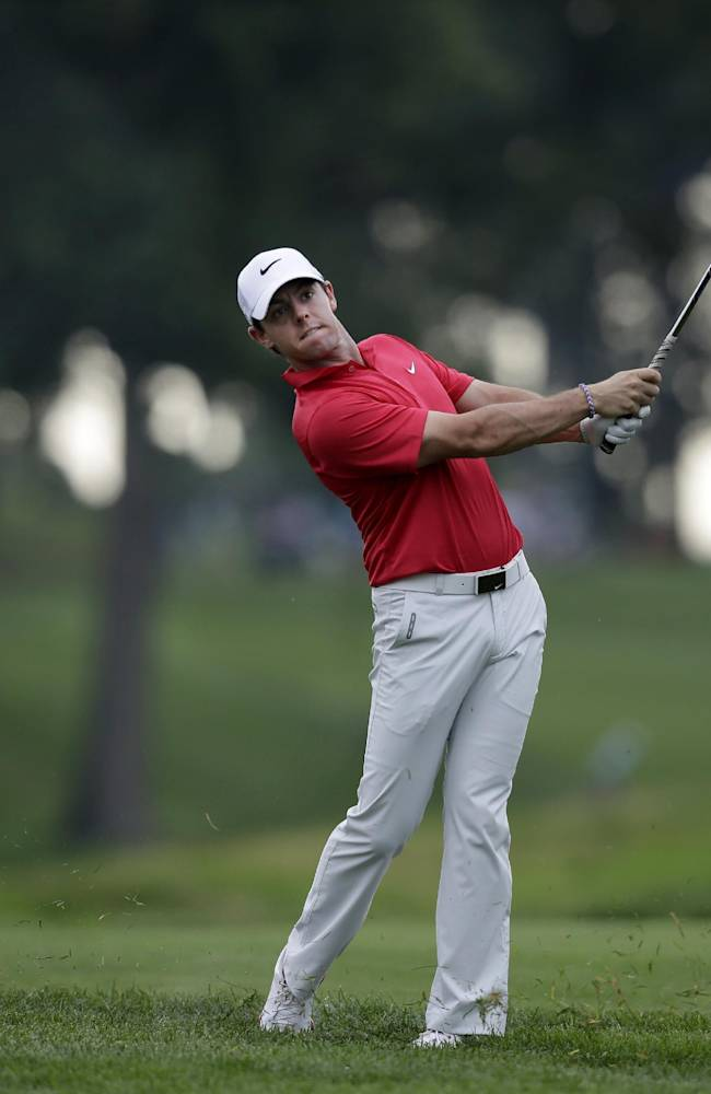 McIlroy stumbles to 74, worst start in 2 months