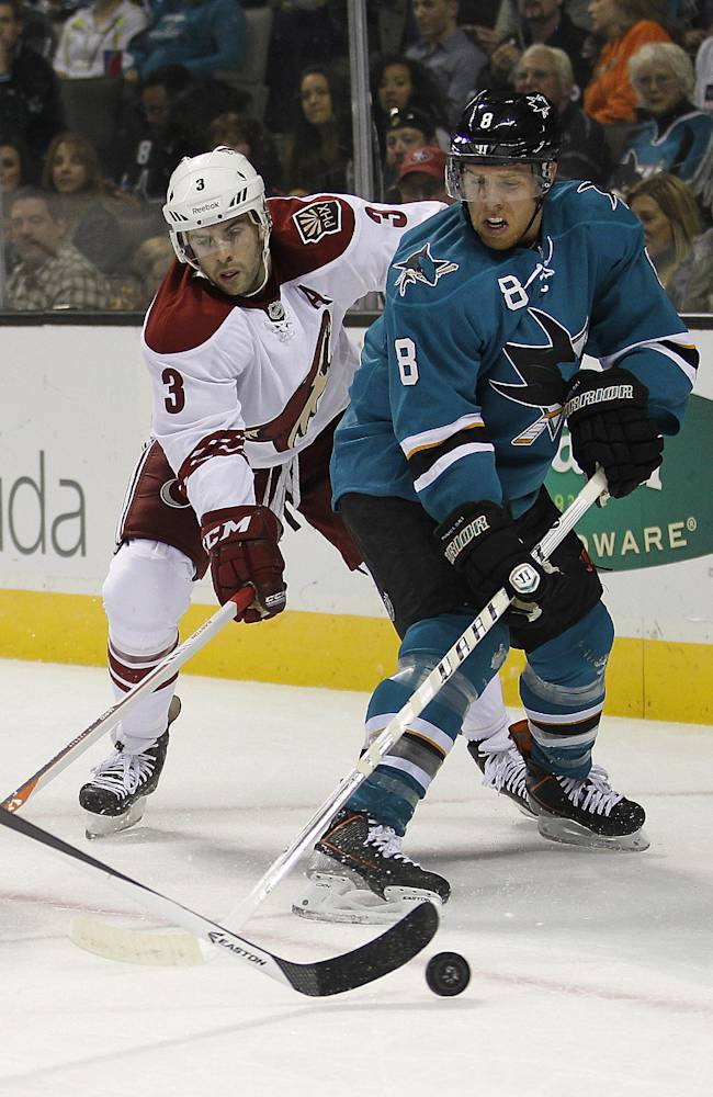 Hertl scores 2 goals in Sharks' 4-1 victory