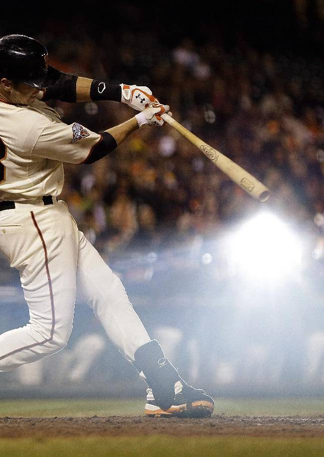 Giants win on Belt's game-ending hit in 10th