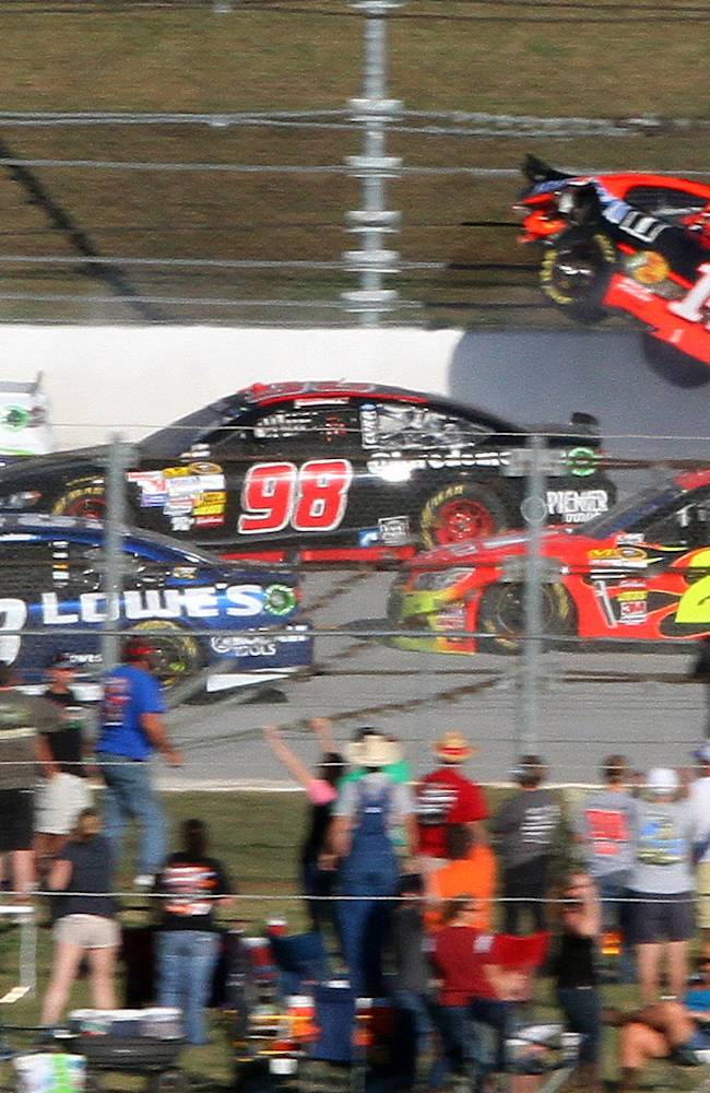 NASCAR call to throw caution isn't even a debate