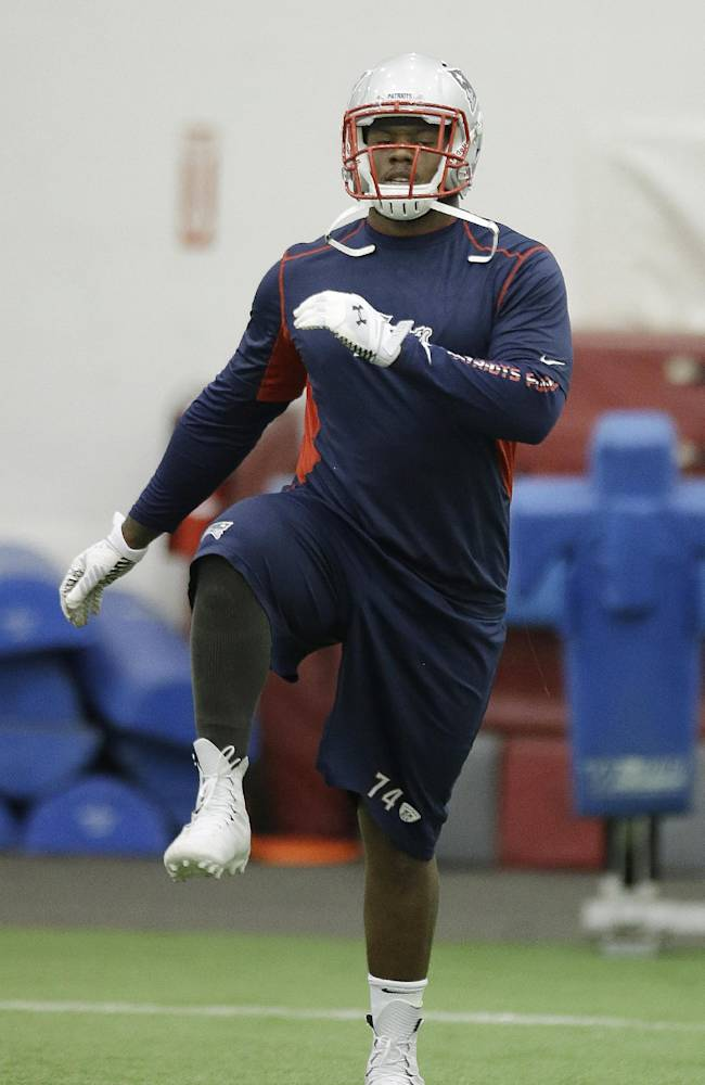 Patriots sign first-round draft pick Easley