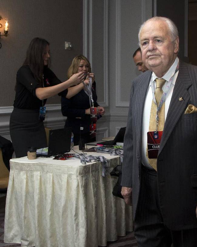 New Orleans Saints owner Tom Benson arrives for the NFL owners fall meeting in Washington, Tuesday, Oct. 8, 2013