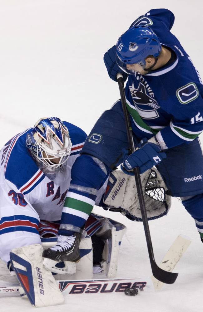 Rangers topple Canucks 3-1