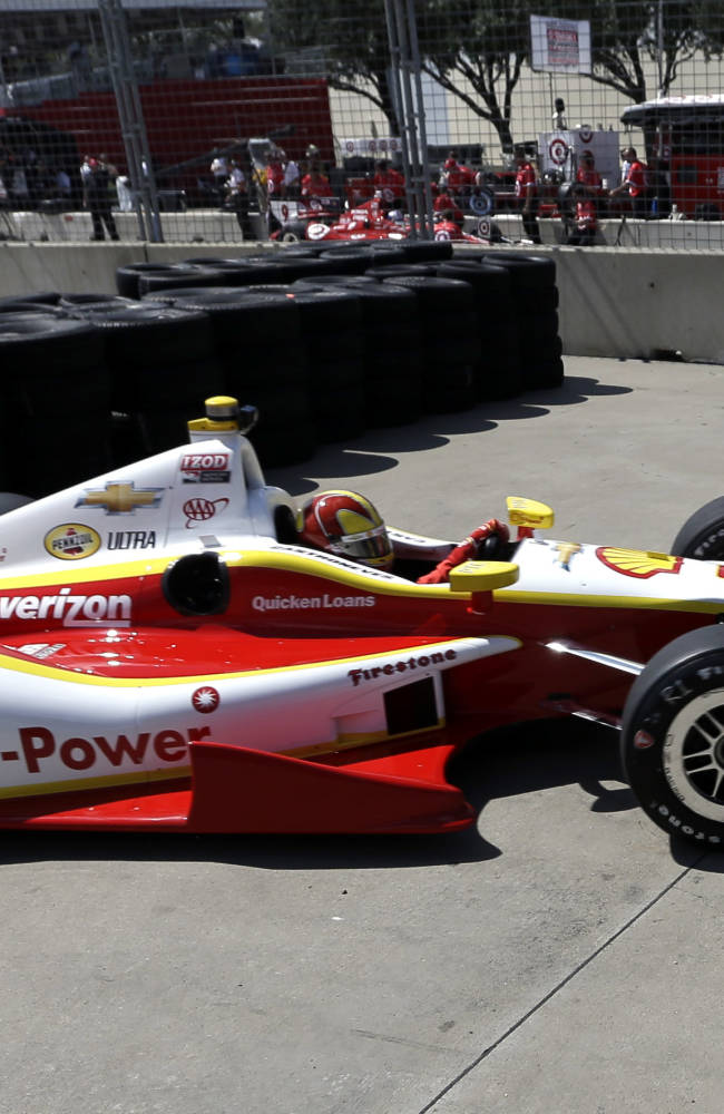 Houston, we have a problem: Bump slows IndyCar