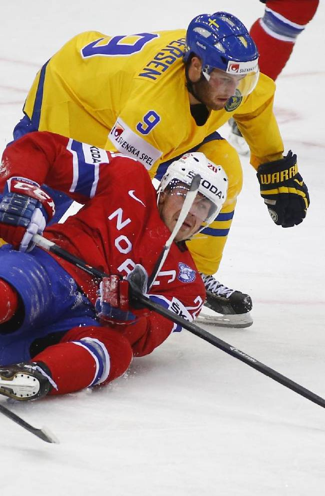 Sweden tops Norway 2-1 at hockey worlds