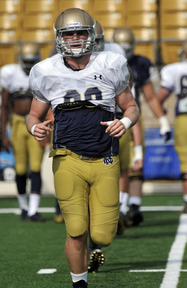 Schmidt goes from walk-on to starter at Notre Dame