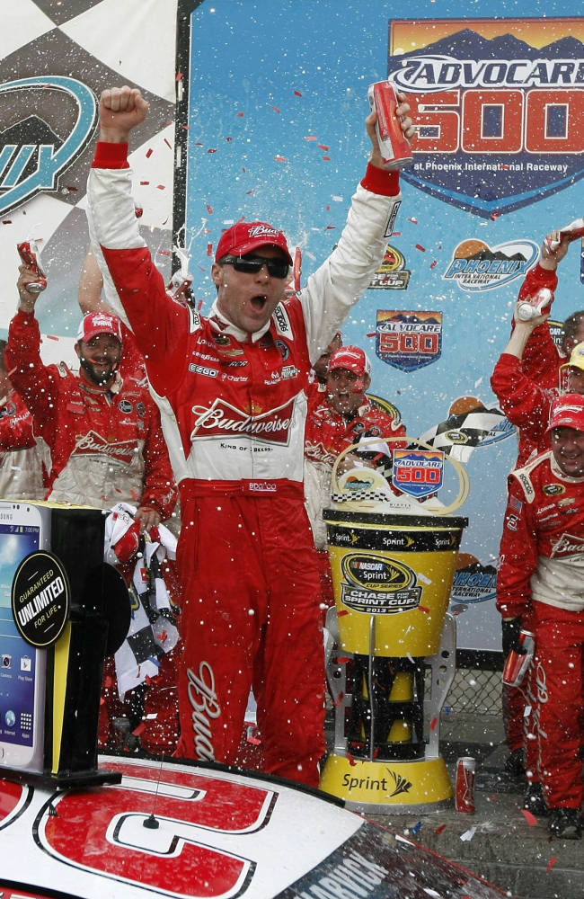 Johnson widens points lead on Kenseth's bad day