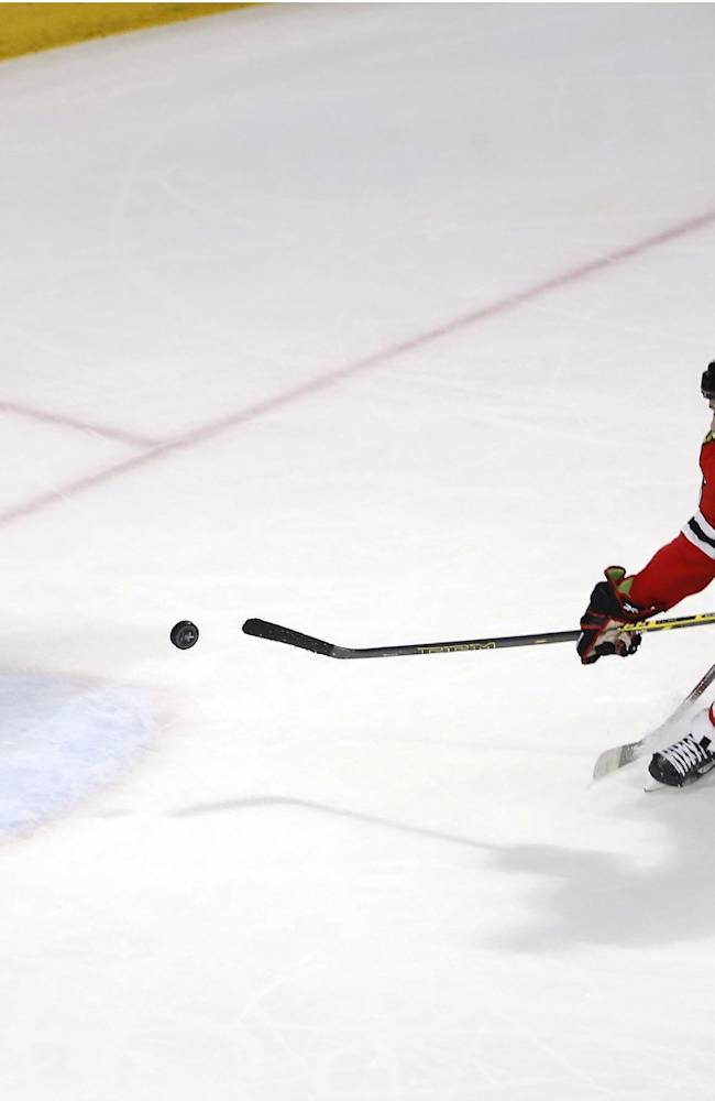 Blackhawks beat Ducks 5-2 to force Game 7 in West finals