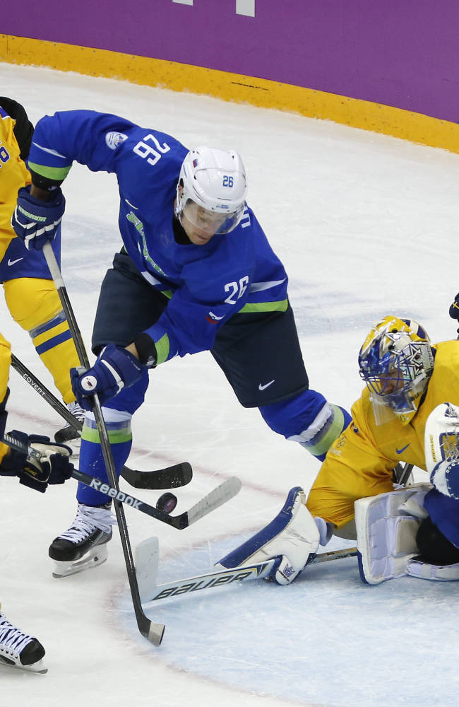 Sweden tops Slovenia 5-0, advances to hockey semis