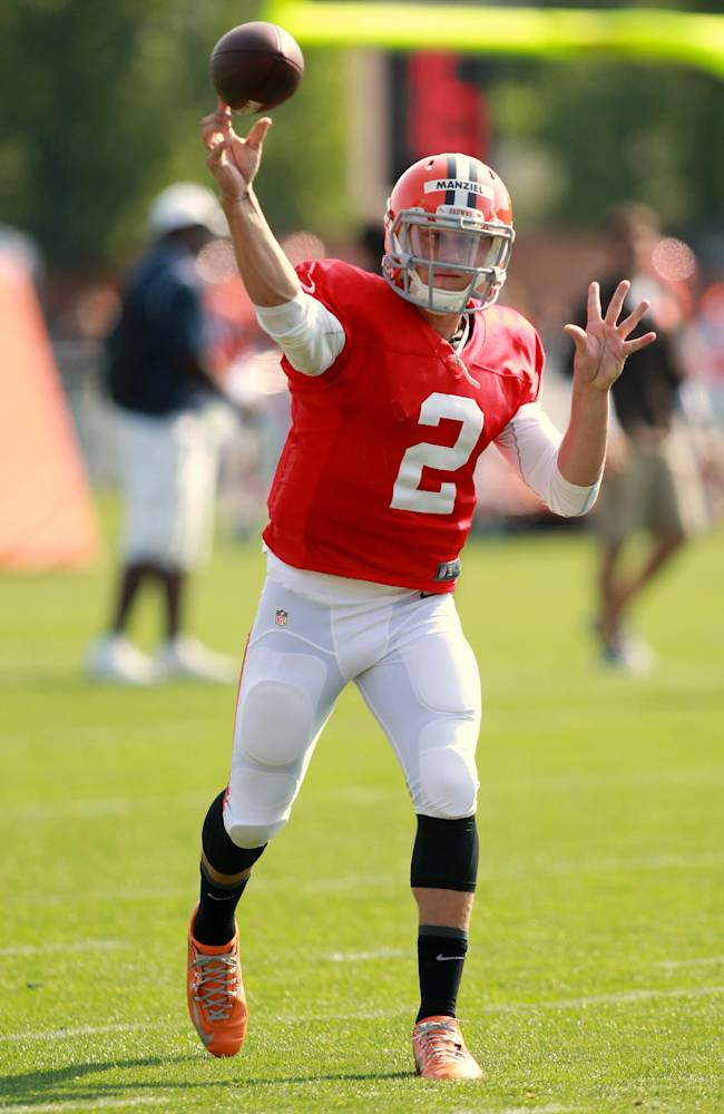 Manziel battling playbook, Hoyer in first NFL camp