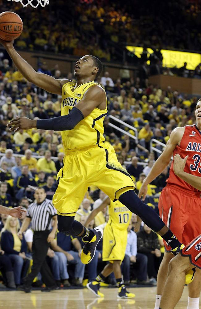 No. 1 Arizona rallies past Michigan 72-70