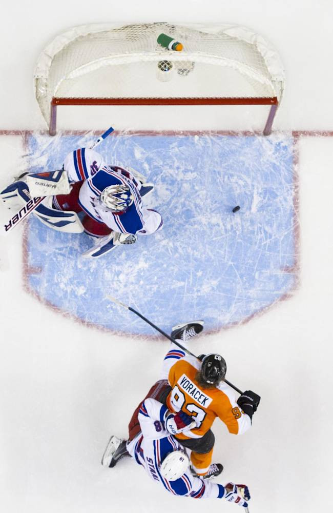Flyers even series at 2 with 2-1 win over Rangers