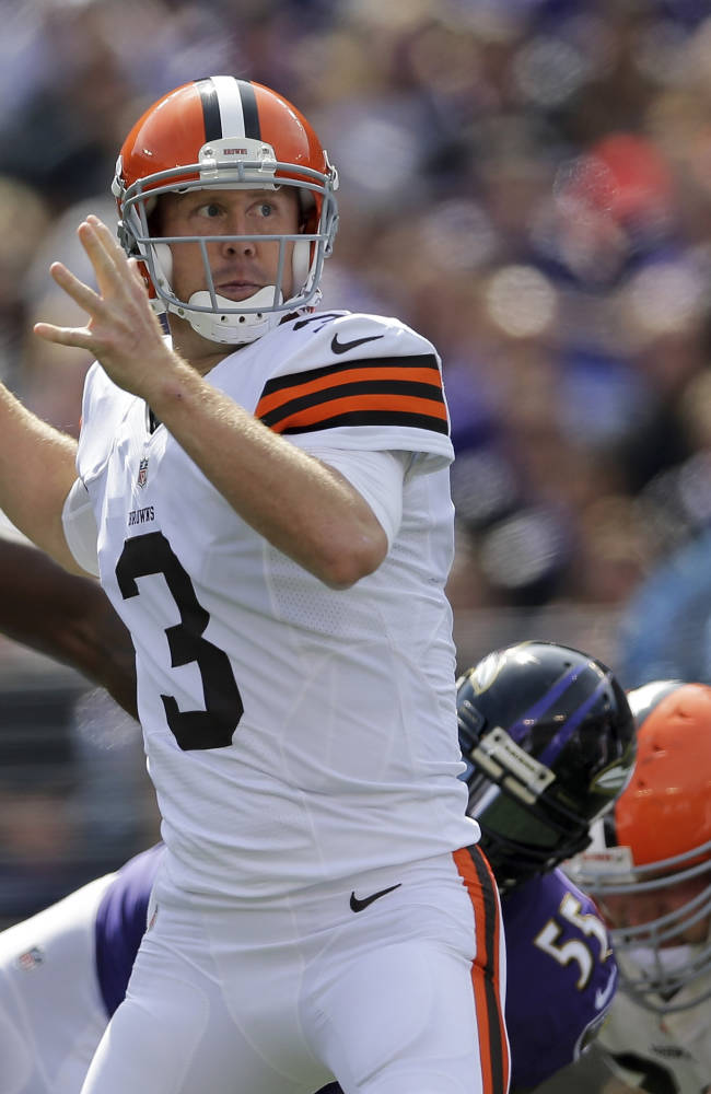 Browns QB Weeden unlikely to need surgery