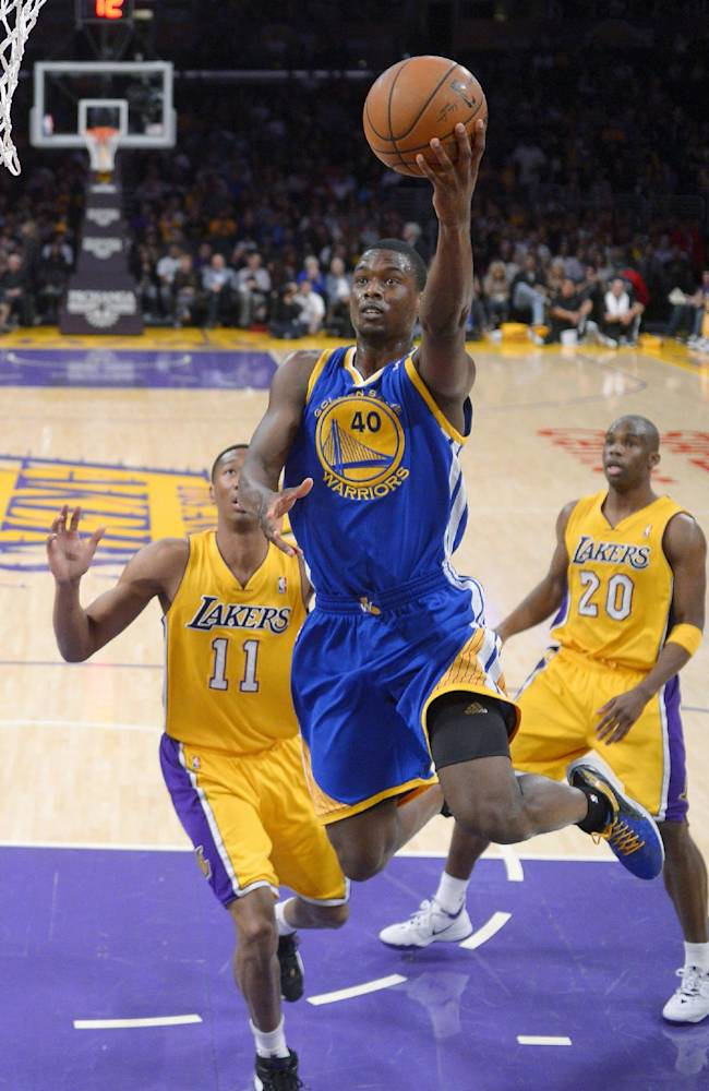 Warriors clinch playoff spot in win over Lakers