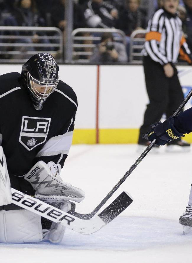 Toffoli lead Kings over Blues 3-2
