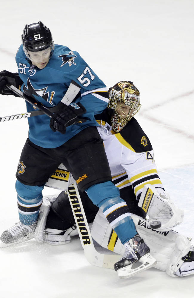 Bruins beat Sharks 1-0