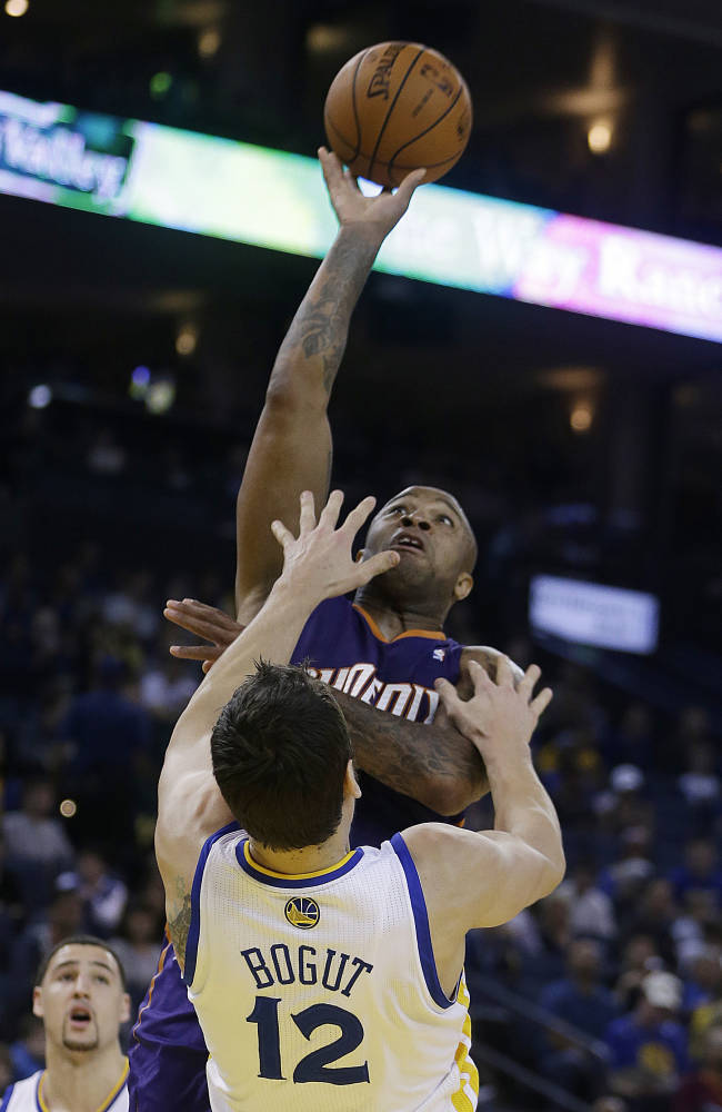 Warriors win 4th straight, hold off Suns 113-107