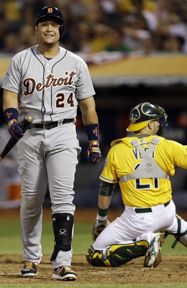 Vogt's single in 9th lifts A's over Tigers 1-0