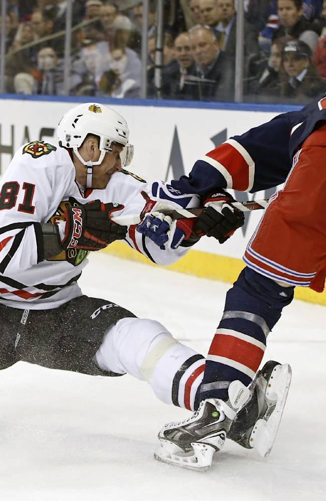 Blackhawks F Hossa out for 2 to 3 weeks
