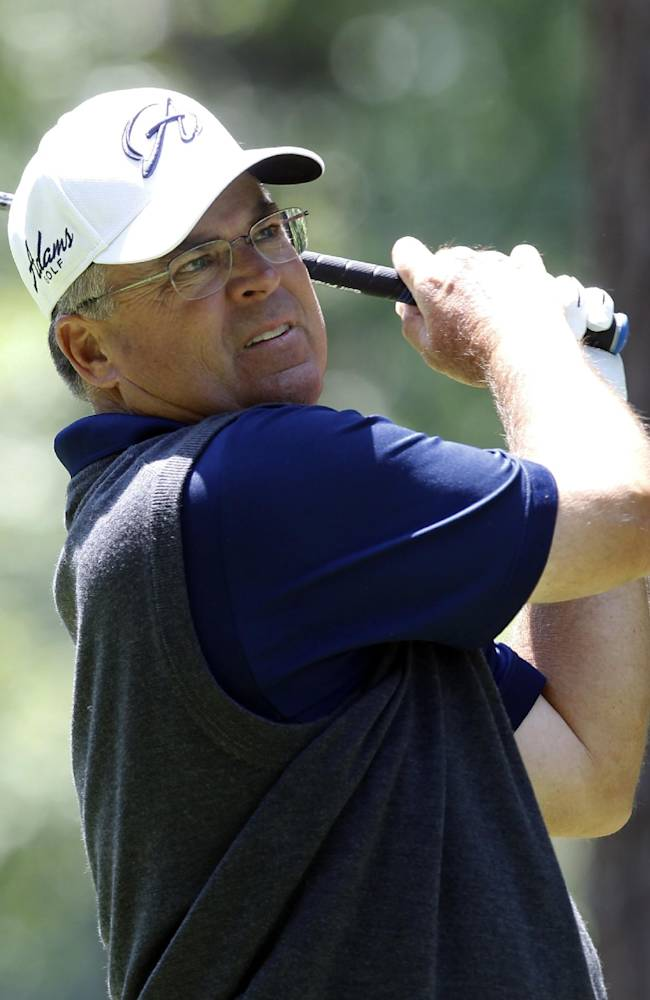 Perry takes 1-stroke lead over Inman at Tradition