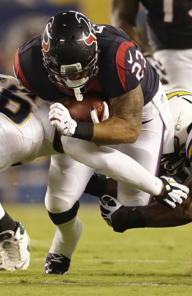 Chargers lead Texans 28-14 after 3rd quarter