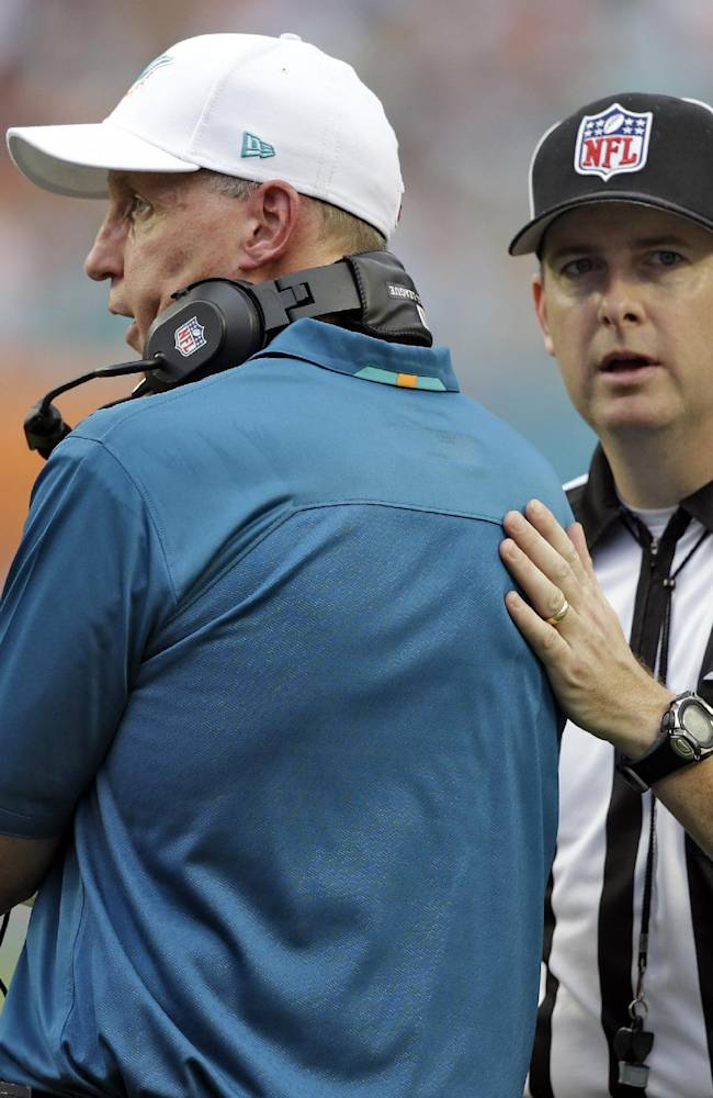 AP source: Dolphins owner mulling possible shakeup