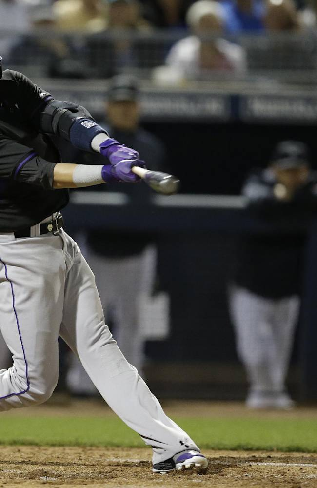 Rockies' Chatwood leaves start with leg injury
