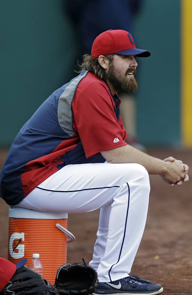 Indians keep closer Perez on wild-card roster