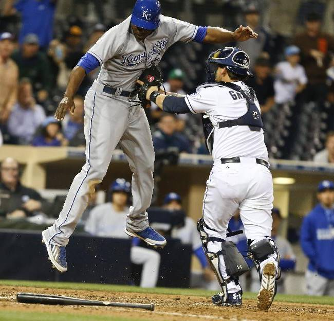 Venable gives Padres 6-5 win over Royals in 12