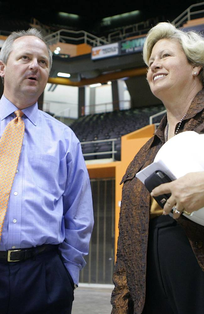 Cronan retiring confident about Lady Vols' future
