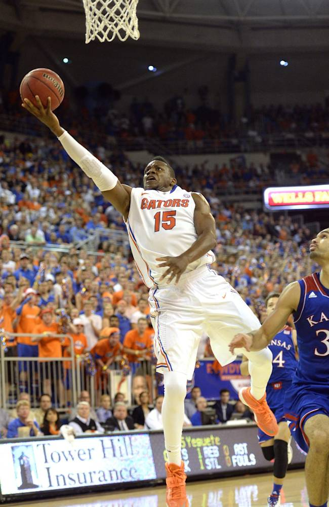 No. 19 Florida edges No. 13 Kansas 67-61