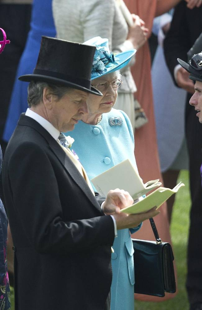 To reduce elitism, British horse racing educating spectators