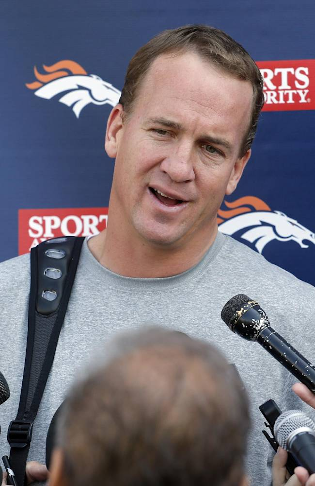Manning says he and Gase didn't break NFL rules