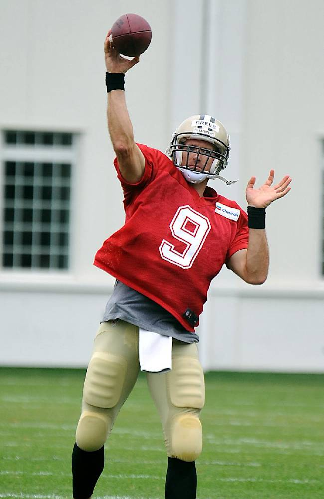 Brees sits out Saints scrimmage, Cooks shines