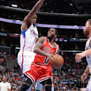LOS ANGELES, CA - NOVEMBER 17: Aaron Brooks #0 of the Chicago Bulls shoots against the Los Angeles Clippers on November 17, 2014 in Los Angeles, California. (Photo by Andrew D. Bernstein/NBAE via Getty Images)